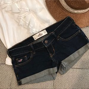 Like New • Hollister • Classic Low Rise Shorts